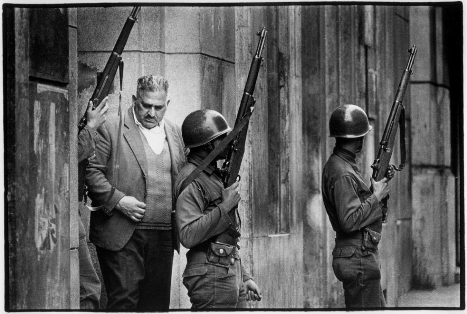 Chili, Santiago, september 1973. Soldiers are patrolling the streets of Santiago.