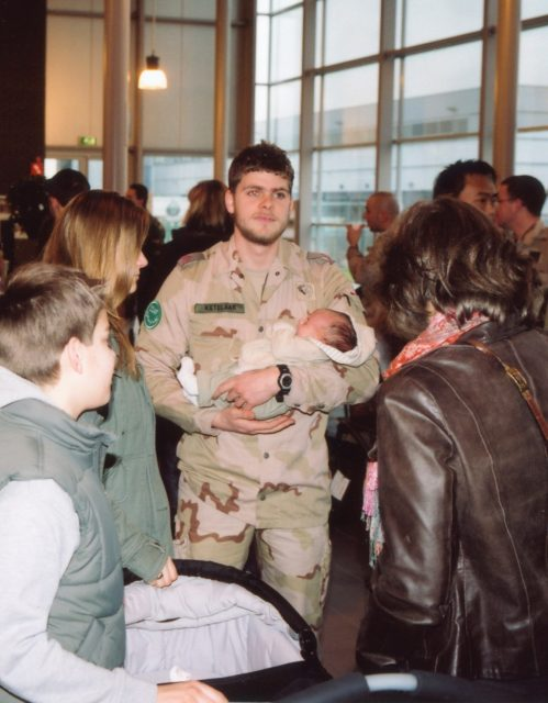 Families say goodbye before the departure to Uruzgan. // Eindhoven Airport 23.03.2009