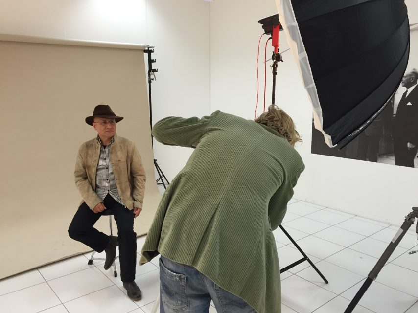 Issa Touma being portrayed by Koos Breukel