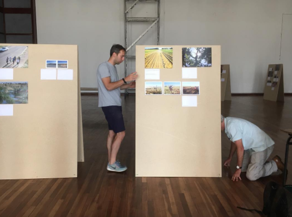 The Welkom Today team installing the exhibition.