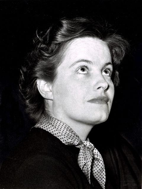 Fotograaf onbekend, Hella S. Haasse, 1955, Nationaal Archief